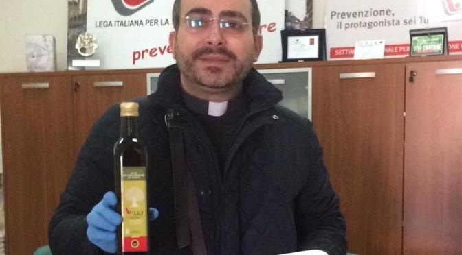 Emergenza Coronavirus, Lilt Crotone dona alla Caritas kit di olio evo